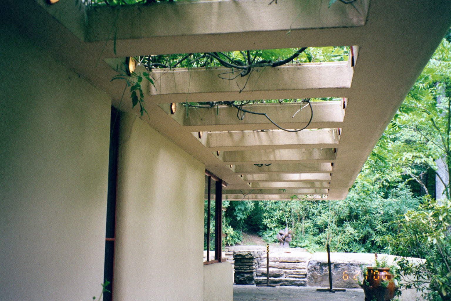 Fallingwater Pictures Guest House Trellis And Front Wall