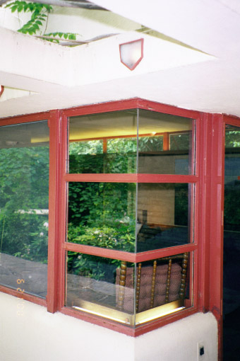 Fallingwater pictures detail corner window at guest for Where to buy house windows