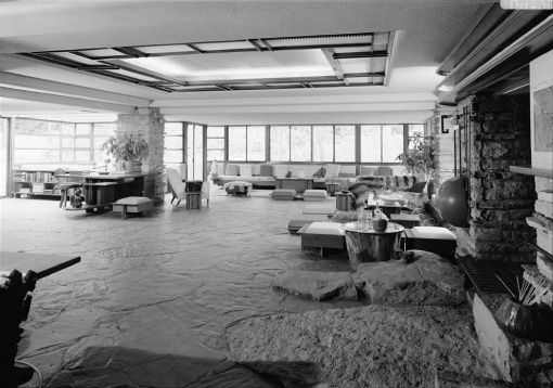 [Fallingwater living room, from kitchen]